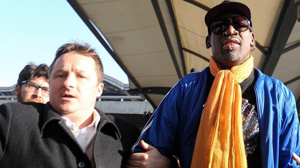 Spavor junto a Dennis Rodman a su llegada a Pyongyang en 2013.