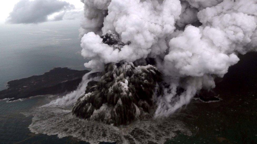 Gunung Api Anak Krakatau. Foto : 23 Desember 2018.