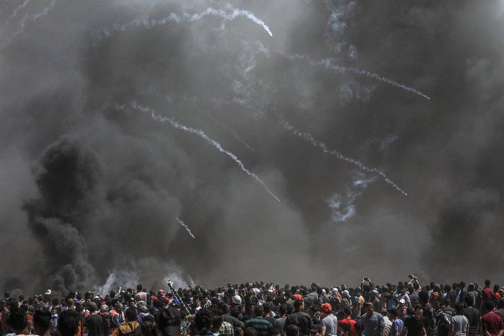 El ejército de Israel lanzó granadas lacrimógenas contra los manifestantes