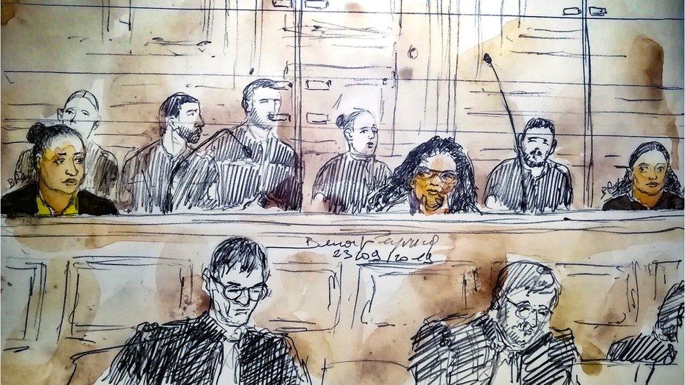 Суд по Франции вынес приговоры пяти женщинам. Они пытались взорвать Нотр-Дам