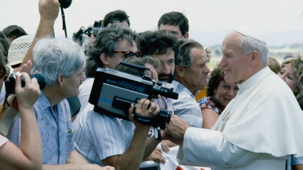 Pope John Paul II meeting crowds in Australia