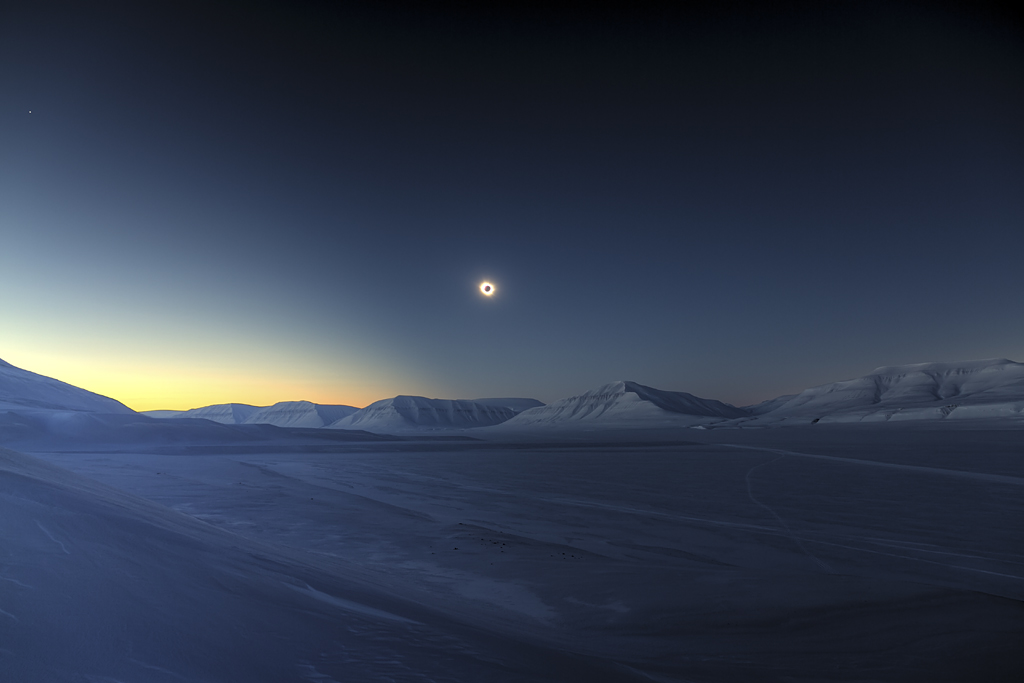 Eclipse Totality over Sassendalen - by Luc Jamet (Skyscapes, Winner and Overall Winner)