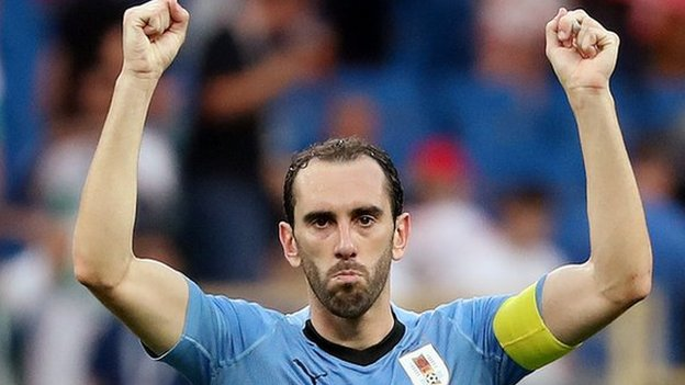 World Cup 2018: Uruguay v Saudi Arabia - Diego Godin beats Luis Suarez