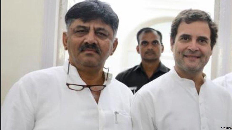 कौन हैं डीके शिव कुमार और कर्नाटक कांग्रेस के दूसरे नेताओं से वो अलग क्यों हैं?