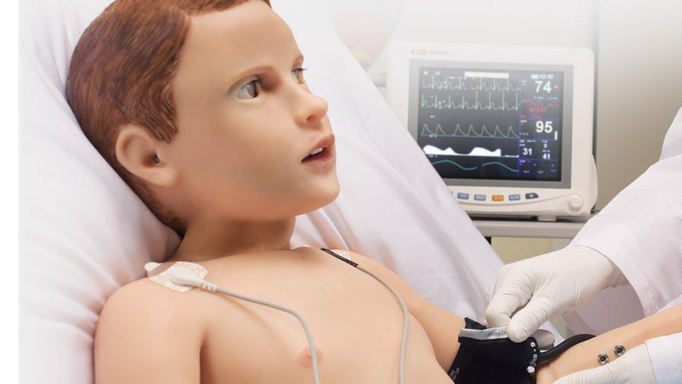 Hal, el paciente robot