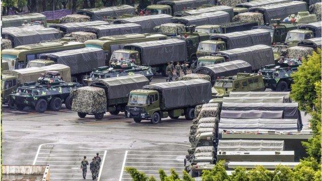 中國武警部隊最近在深圳進行大規模集結和操練。