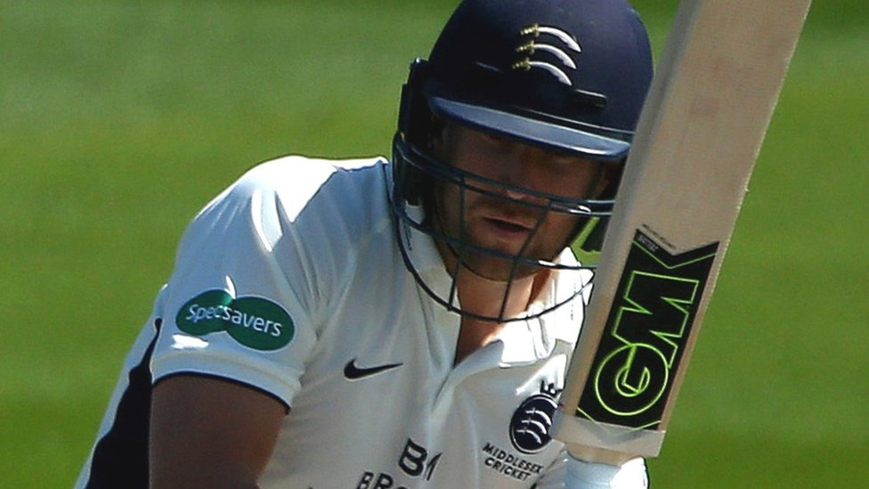 County Championship: Leicestershire in control over Middlesex