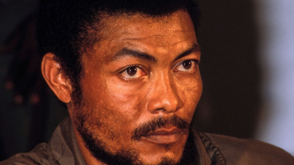 Jerry Rawlings: Why he divided opinion in Ghana thumbnail