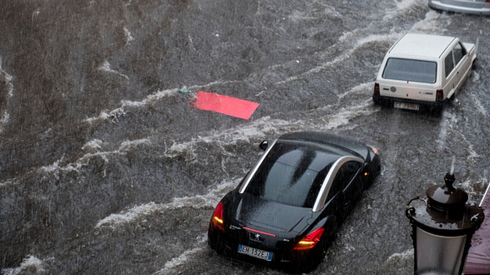 Сицилия: редкий циклон затопил города, унес жизни минимум двух человек