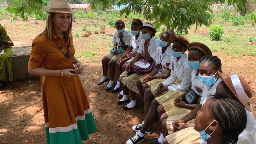 هيلين غرانت في أوغندا