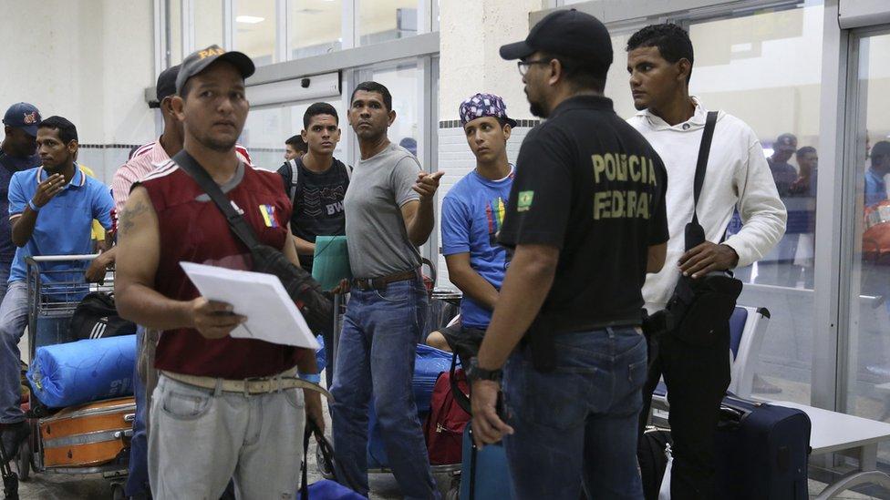 Venezolanos se preparan para dejar Boa Vista, en Roraima.