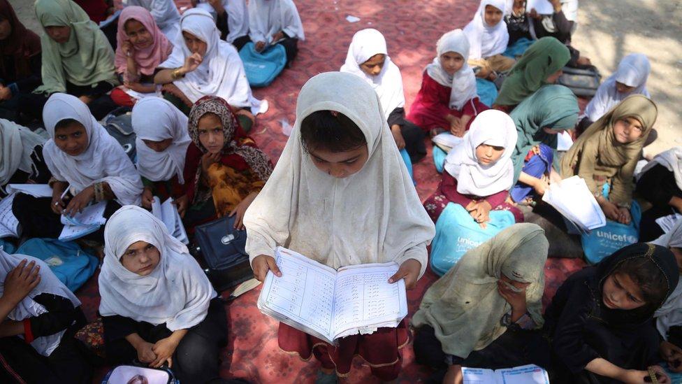 Escolares en Kabul, Afganistán