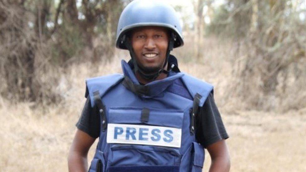 جاء اعتقال كوميرا بعد أسبوعين من اعتداء من قبل قوات الأمن على مصور آخر يعمل لصالح رويترز