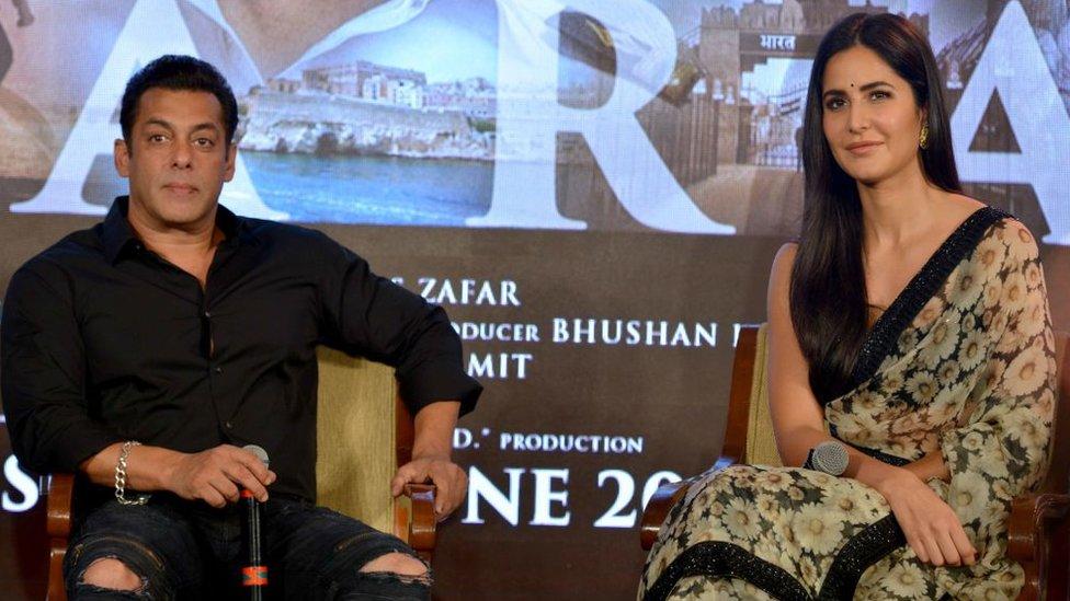 شوبز ڈائری: سلمان مودی کے انتخاب پر خوش اور پرینکا کے شکرگزار