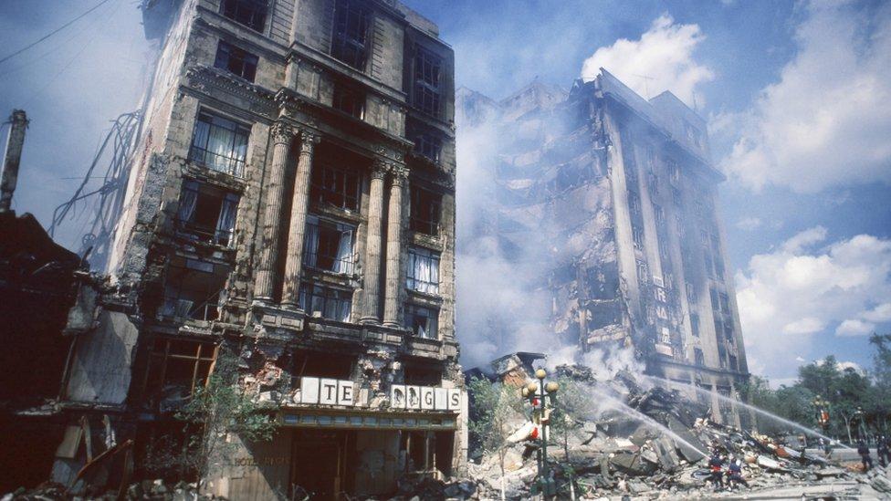 Una de las fotos de Boxce del terremoto de 1985.