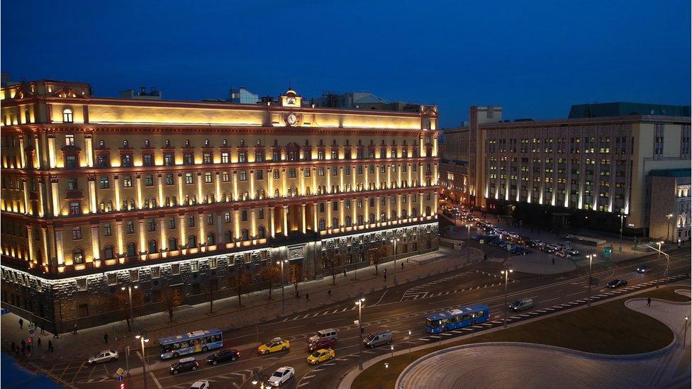 Собянин объявил, что памятника на Лубянке не будет. Ни Дзержинскому, ни Невскому