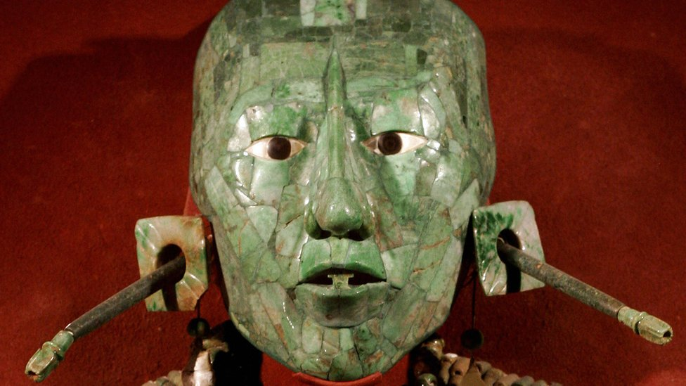 Máscara del rey Pakal, exhibida en el Museo Nacional de Antropología de México.