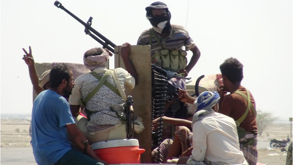 قوات موالية للحكومة في ضواحي الحديدة