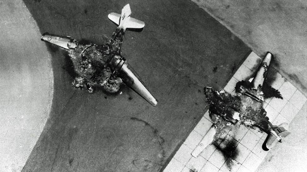 5 يونيو: تدمير الطائرات الحربية المصرية على مدرج المطار