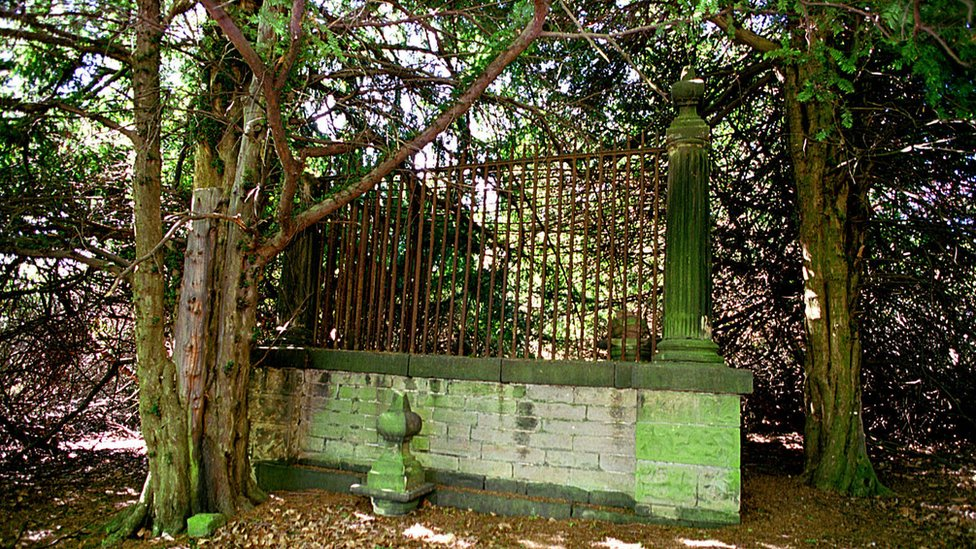 'Robin Hood grave' petition attracts thousands of signatures