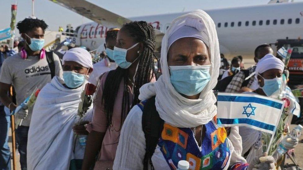 """لا تعطي القوانين الإسرائيلية يهود إثيوبيا المعروفين """"بالفلاش مورا"""" الحق المباشر في الحصول على الجنسية بشكل آلي"""