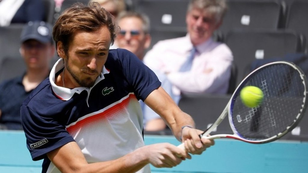 Queen's: Best shots as Daniil Medvedev beats Fernando Verdasco