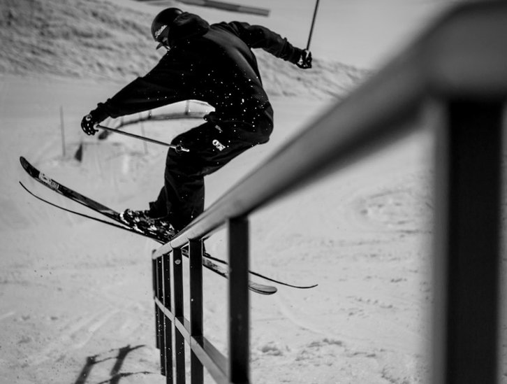 Skier balance on rail