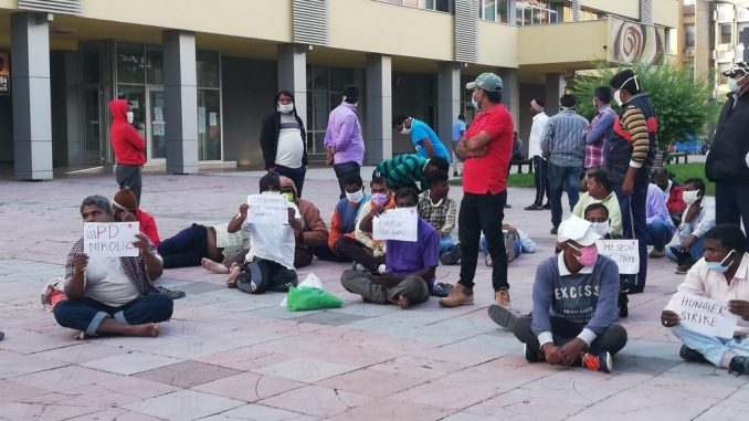 radnici iz indije štrajk glađu u kraljevu