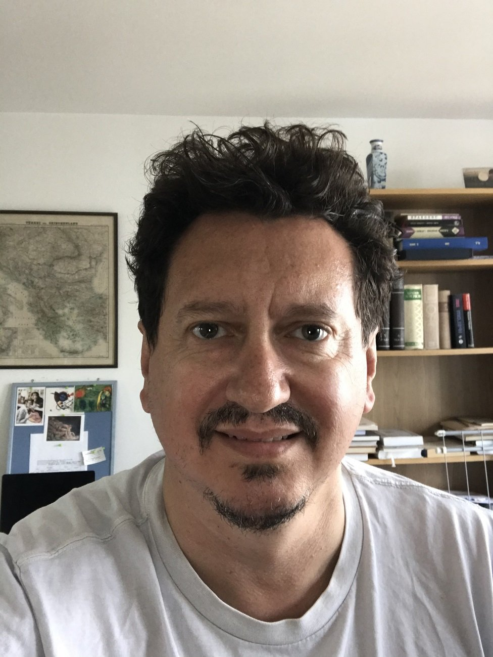 Profesor Dejan Đokić