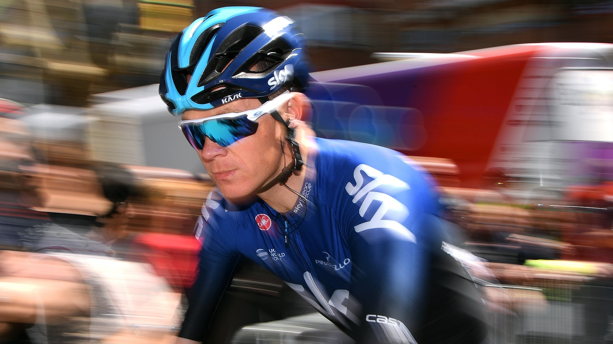 Volta a Catalunya: Chris Froome falls as Michael Matthews wins second stage