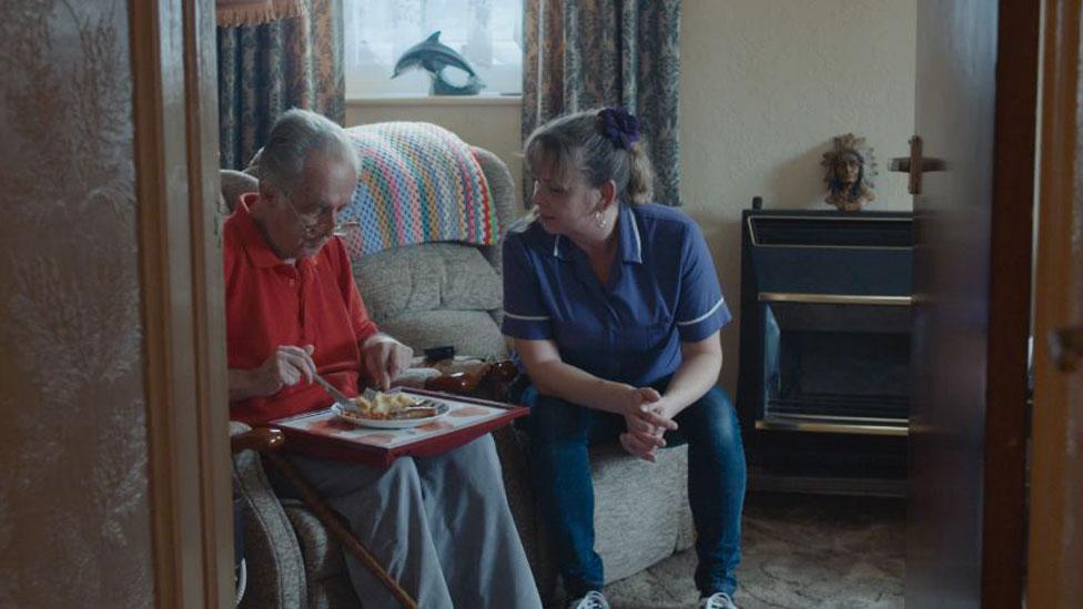 Alan y una enfermera
