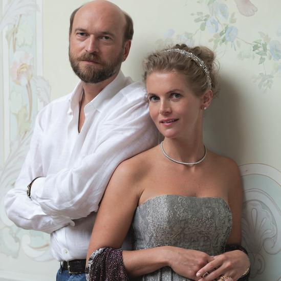 Sergei Pugachev y Alexandra Tolstoy
