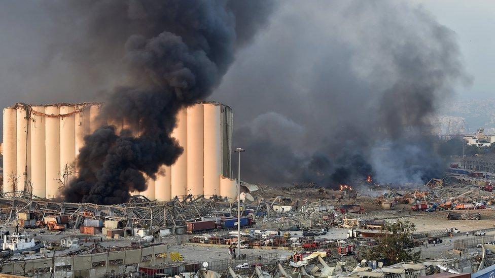 Uništena luka u Bejrutu