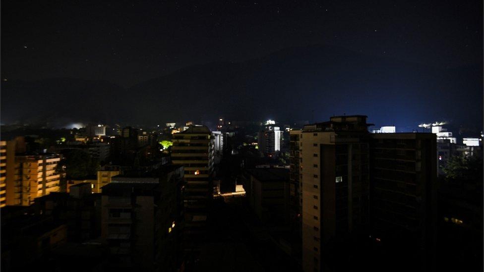 Venezuela crisis: Day off as fresh power cuts shut down services