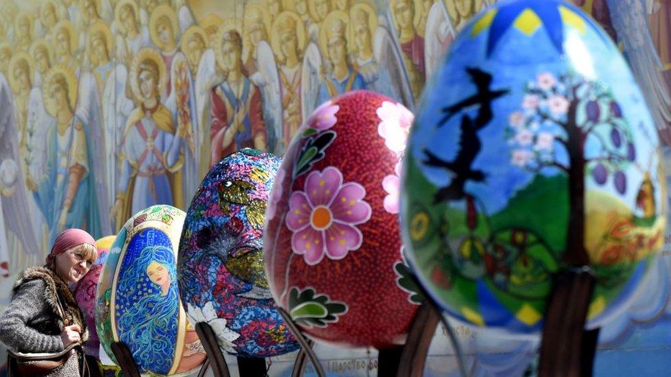 Festival de huevos de pascua en Ucrania.