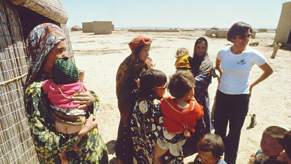 Nubia Muñoz en el desierto turcomano en Irán