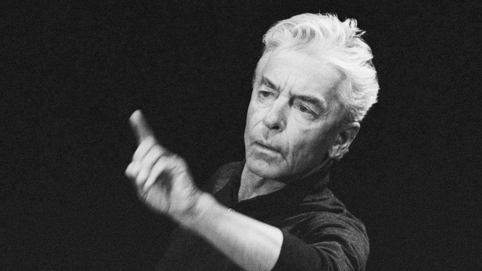 El director austríaco Herbert von Karajan
