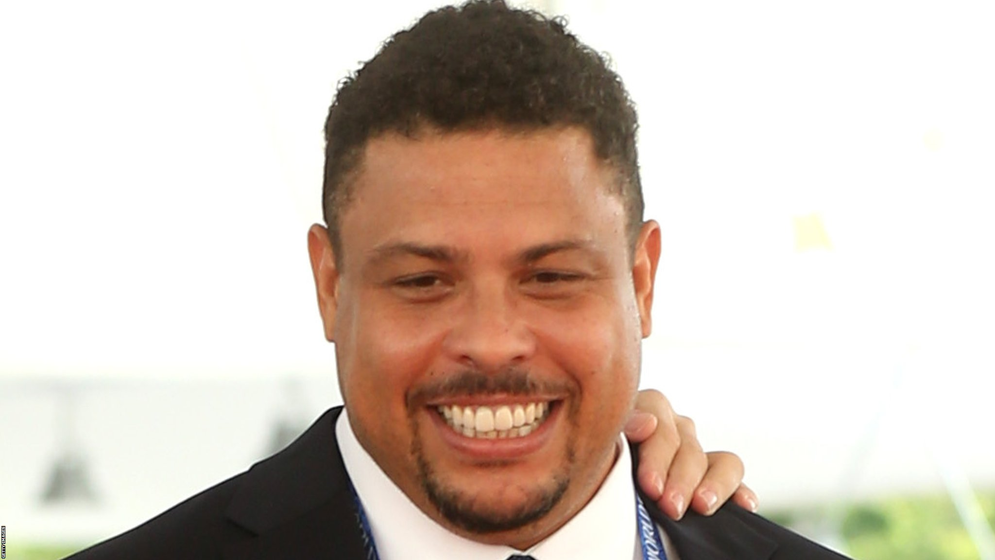 Brazilian Ronaldo leaves hospital after pneumonia