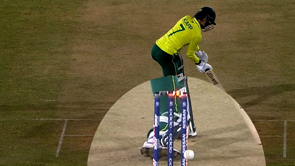Stumps hit. Bails light up. Out? Kapp's incredible reprieve