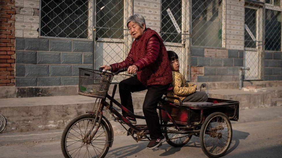 Yaşlıların nüfus içindeki oranının artması sosyo-ekonomik düzeni değiştirebilir