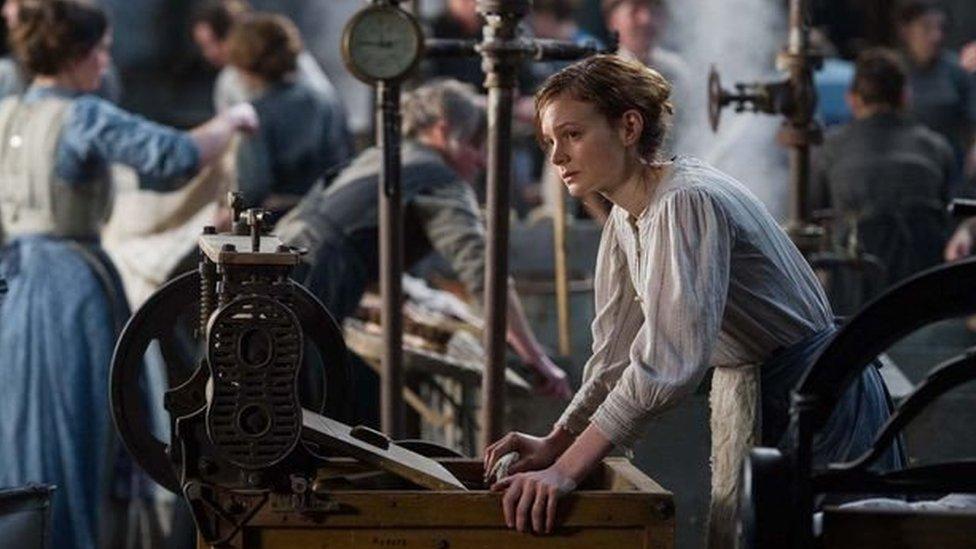 Carey Mulligan yn serennu yn y ffilm ddiweddar 'Suffragette'
