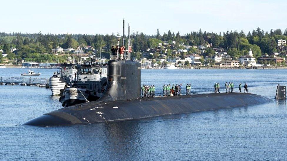 El USS Connecticut en un puerto en 2018.