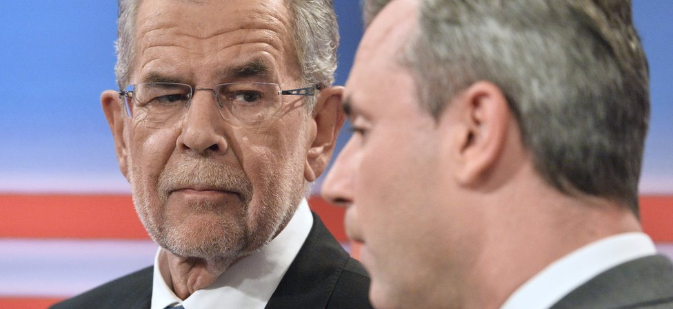 Alexander Van der Bellen (L) and Norbert Hofer (R) - file pic May 2016