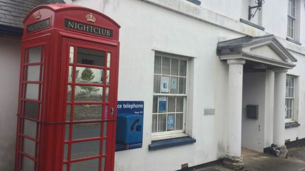 Apology for Kingsbridge phone box nightclub damage