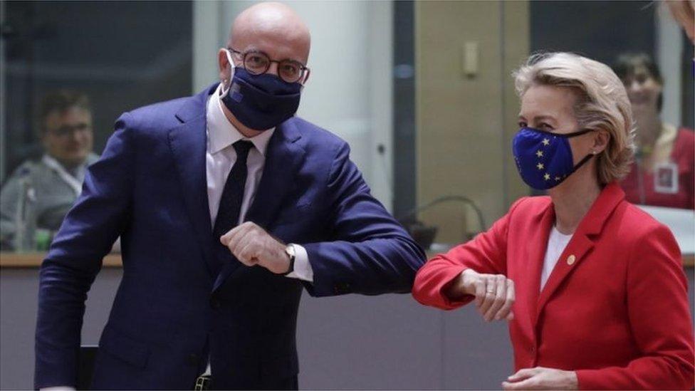 رئيس المجلس الأوروبي تشارلز ميشيل ورئيسة المفوضية الأوروبية أورسولا فون دير لاين
