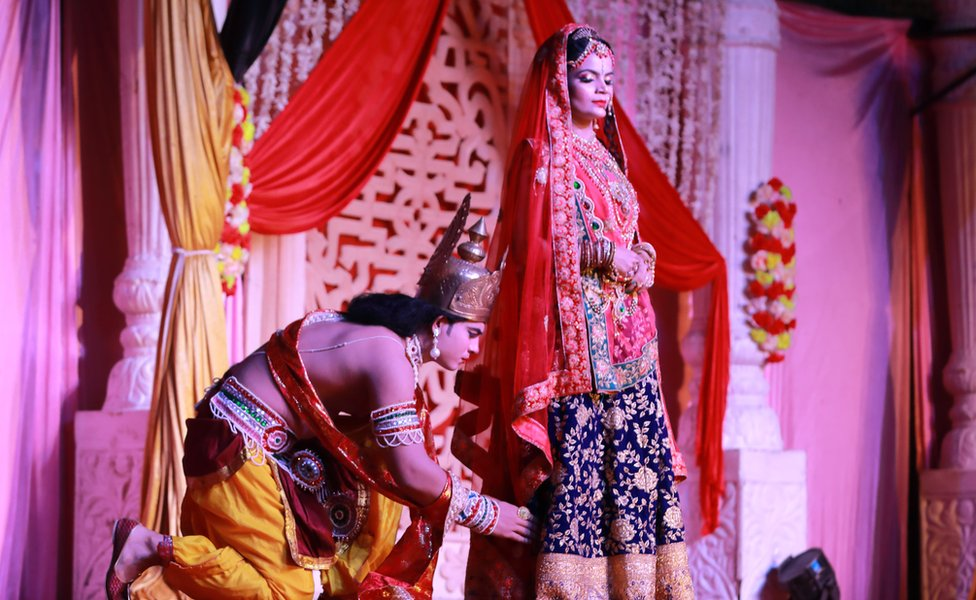 Actors enact the scene where Lord Ram seeks the blessings of Queen Kaikeyi.