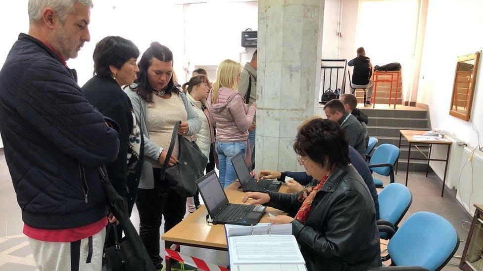 Redovi na biračkom mestu u Beogradu