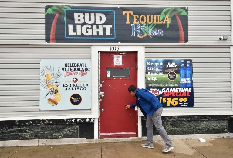 La fachada del bar Tequila KC en Kansas City, Estados Unidos