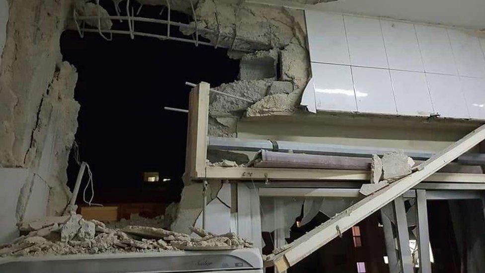 نشرت وكالة الأنباء السورية الرسمية صورا تقول إنها لبيوت مدمرة قرب دمشق