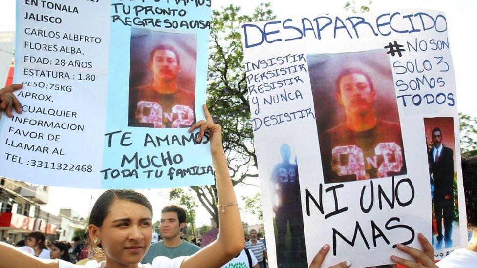 Protesta de familiares de desaparecidos en México.